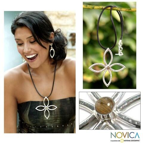 Handmade Sterling Silver 'Imperial Eyes' Rutile Quartz Necklace (Peru)
