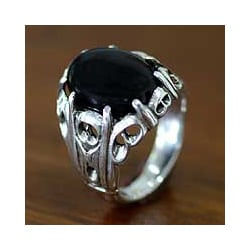 Handmade Sterling Silver Men's 'Music of the Night' Onyx Ring (Indonesia)