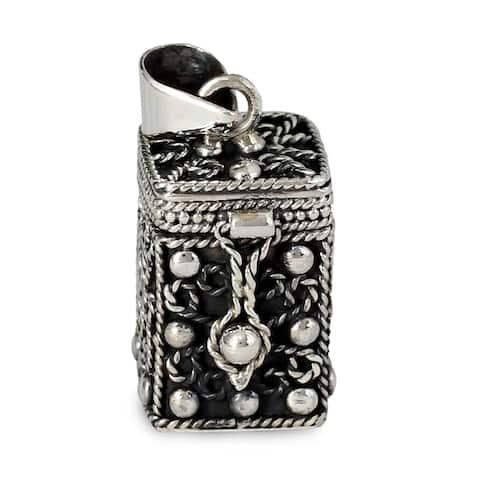 "Sterling Silver Prayer Box Locket Pendant (India) - 7'6"" x 9'6"""