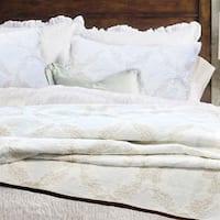 Elizabeth Queen-size 3-piece Quilt Set