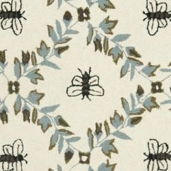 Safavieh Hand-hooked Bees Ivory/ Blue Wool Rug (2'9 x 4'9) - Thumbnail 2