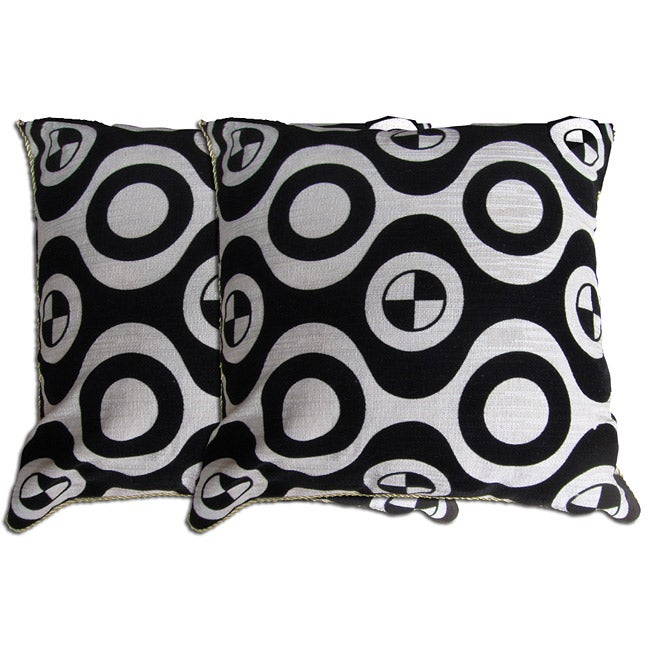 Decorative Black/ White Pillow (Set of 2)