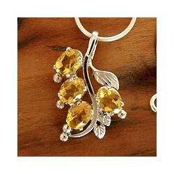 Handmade Sterling Silver 'Golden Bouquet' Citrine Necklace (India)