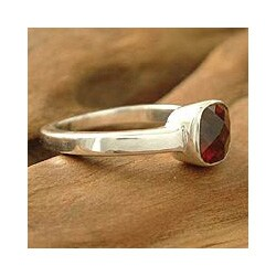 Handmade Sterling Silver 'Scarlet Muse' Garnet Solitaire Ring (India)