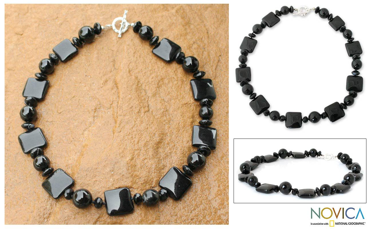 Handmade Sterling Silver 'Black Lily' Onyx Necklace (Thailand)