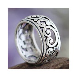 Handmade Sterling Silver 'Karangasem Castle' Band Ring (Indonesia)