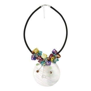 Handmade Brown Elite Natural Shell Medallion Floral Necklace (Philippines)