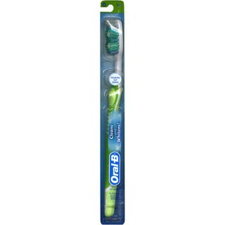 Oral-B Cleans & Whitens Soft Toothbrush #48 (Pack of 6)