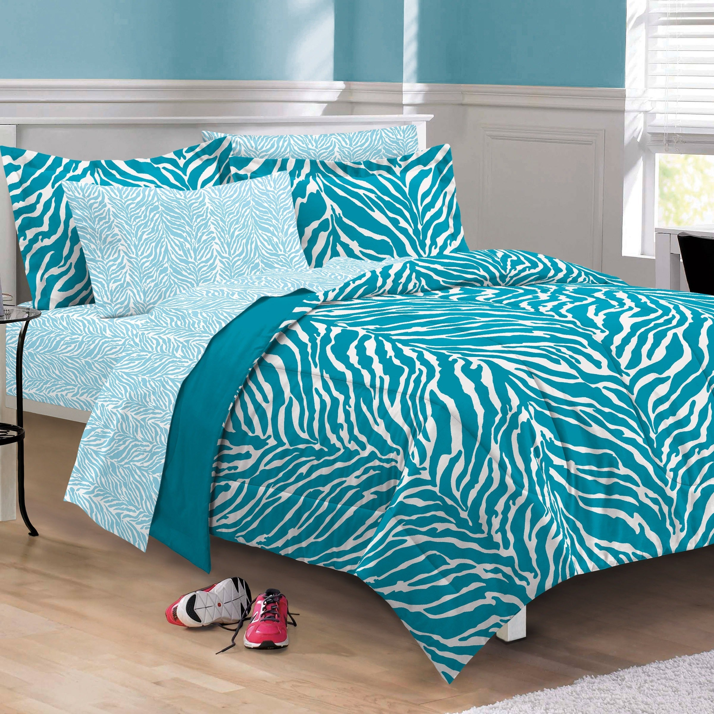 Zebra Microfiber 6-piece Bed in a Bag with Sheet Set (Aqu...