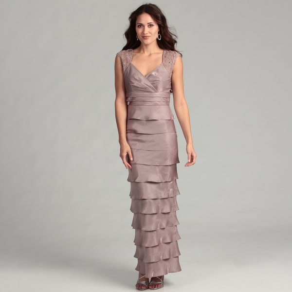 Jessica Howard Women's Taupe Lace Tiered Gown
