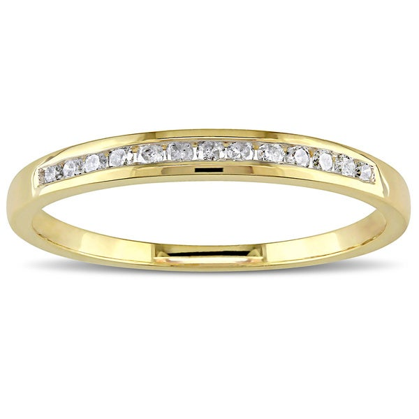 Miadora 10k Yellow or Rose Gold 1/8ct TDW Diamond Wedding Band