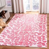 Safavieh Handmade Children's Leopard Ivory/ Pink Wool Rug - 5' x 8'