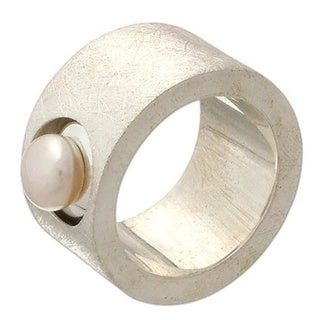 Handmade Sterling Silver 'Simplicity' Pearl Ring (8.5-9 mm) (Made in Indonesia) (2 options available)