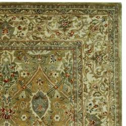 Safavieh Handmade Persian Legend Light Green/ Beige Wool Rug (5' x 8') - Thumbnail 1
