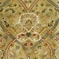 Safavieh Handmade Persian Legend Light Green/ Rust Wool Rug (2'6 x 8') - Thumbnail 2