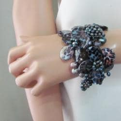 Handmade Midnight Garden Cheetah Print Mother of Pearl Cuff (Thailand)