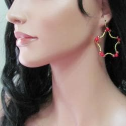 Handmade Gold Star Daze Red Coral Stone Dangle Brass Earrings (Thailand) - Thumbnail 2