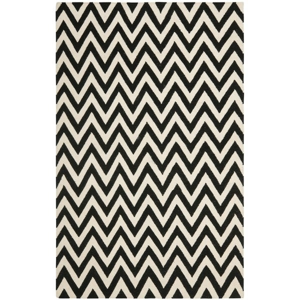 Safavieh Hand-woven Moroccan Reversible Dhurrie Chevron Black/ Ivory Wool Rug (5' x 8')