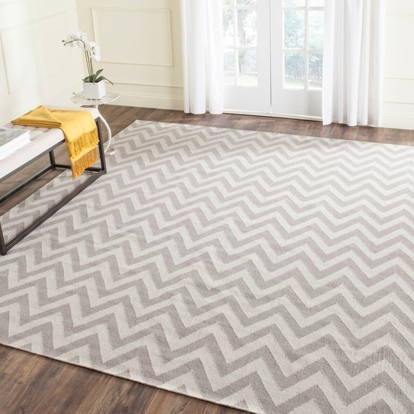 Safavieh Hand-woven Moroccan Reversible Dhurrie Chevron Grey/ Ivory Wool Rug - 8' x 10'