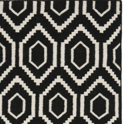 Safavieh Contemporary Moroccan Reversible Dhurrie Black/Ivory Wool Rug (5' x 8') - Thumbnail 1