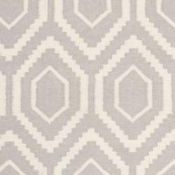 Safavieh Moroccan Reversible Dhurrie Grey/Ivory Pure Wool Rug (3' x 5') - Thumbnail 2
