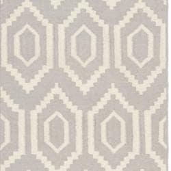 Safavieh Hand-woven Moroccan Reversible Dhurrie Grey/ Ivory Wool Rug (2'6 x 12') - Thumbnail 2