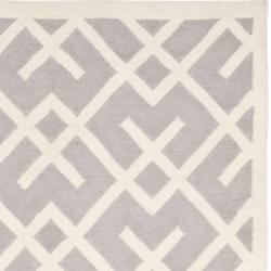 Safavieh Hand-woven Moroccan Reversible Dhurrie Grey/ Ivory Wool Rug (6' x 9') - Thumbnail 1