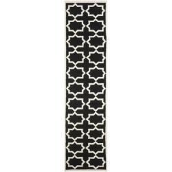 """Safavieh Moroccan Reversible Dhurrie Black/ Ivory Wool Runner Rug (2'6"""" x 12')"""