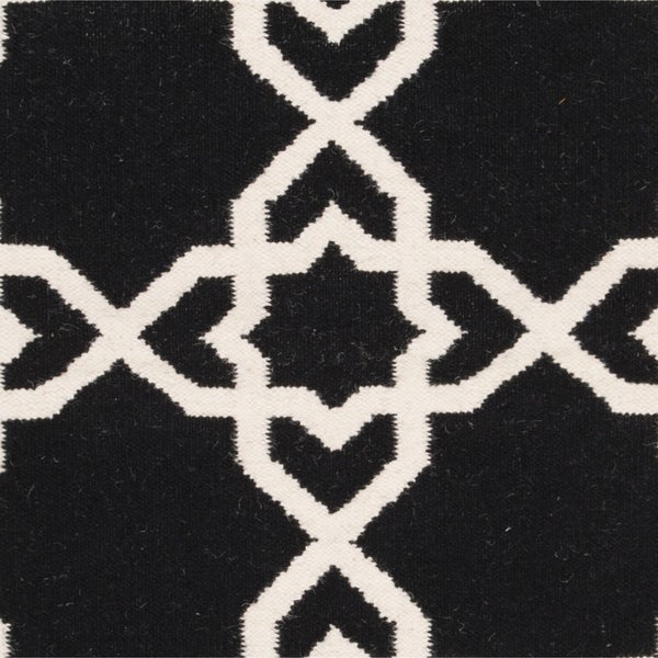 Black And White Geometric Rugs For Sale: Shop Safavieh Moroccan Reversible Dhurrie Black And Ivory