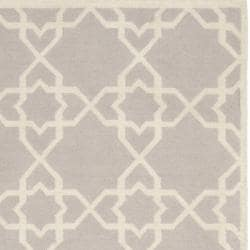 Safavieh Handwoven Moroccan Reversible Dhurrie Grey/ Ivory Wool Area Rug (8' x 10') - Thumbnail 1