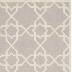 Safavieh Transitional Moroccan Reversible Dhurrie Grey/Ivory Wool Rug (4' x 6') - Thumbnail 1
