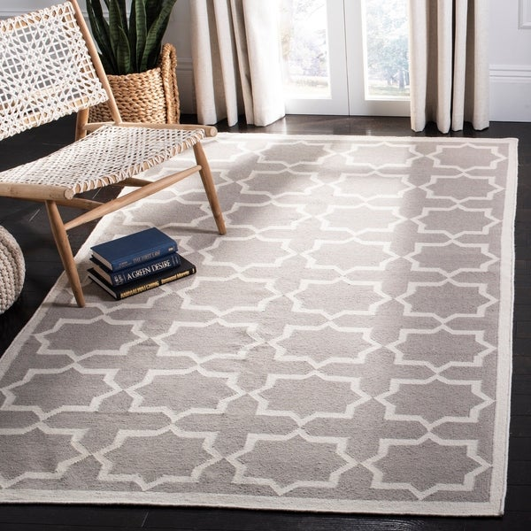 Safavieh Handwoven Moroccan Reversible Dhurrie Transitional Grey/ Ivory Wool Rug - 10' x 14'