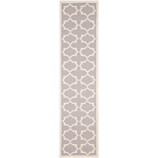 Safavieh Hand-woven Moroccan Reversible Dhurrie Grey/ Ivory Wool Rug (2'6 x 10')