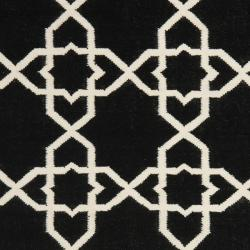 Safavieh Moroccan Reversible Dhurrie Transitional Black/Ivory Wool Rug (10' x 14') - Thumbnail 2