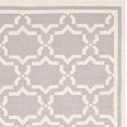 Safavieh Hand-woven Moroccan Reversible Dhurrie Grey/ Ivory Wool Rug (5' x 8')