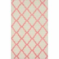 Hand-hooked Alexa Moroccan Trellis Pink Wool Rug (7'6 x 9'6) - 7'6 x 9'6