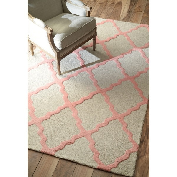 Hand-hooked Alexa Moroccan Trellis Pink Wool Rug - 5' x 8'