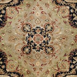 Safavieh Handmade Persian Legend Soft Green/ Ivory Wool Rug (7'6 x 9'6) - Thumbnail 2