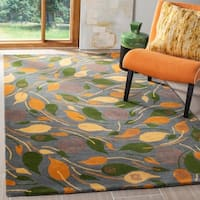 Safavieh Handmade Foliage Grey New Zealand Wool Rug - 5' x 8'