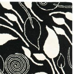 Safavieh Handmade Foliage Black New Zealand Wool Rug (3'6 x 5'6') - Thumbnail 1