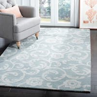 Safavieh Handmade Rose Scrolls Grey New Zealand Wool Rug - 5' x 8'