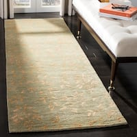 "Safavieh Handmade Tranquility Light Green New Zealand Wool Rug - 2'6"" x 10' Runner"