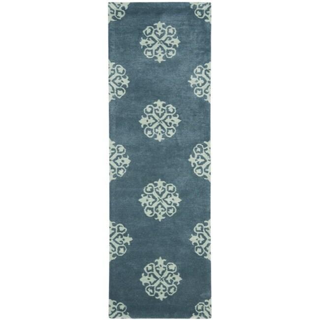 Safavieh Handmade Medallion Blue Floral New Zealand Wool Rug (2'6 x 12')