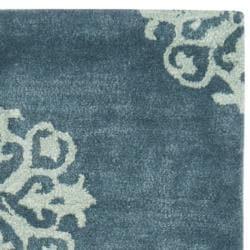 Safavieh Handmade Medallion Blue Floral New Zealand Wool Rug (2'6 x 12') - Thumbnail 1