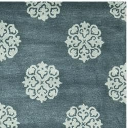 Safavieh Handmade Medallion Blue New Zealand Wool Rug (7'6 x 9'6) - Thumbnail 1