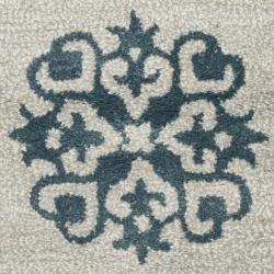 Safavieh Handmade Medallion Silver New Zealand Wool Rug (2' x 3') - Thumbnail 2