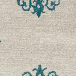 Safavieh Handmade Medallion Silver New Zealand Wool Rug (2'6 x 10') - Thumbnail 2