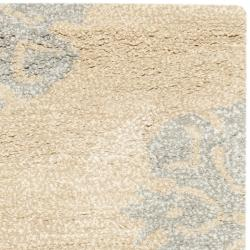 Safavieh Handmade Medallion Beige New Zealand Wool Rug (2' x 3') - Thumbnail 1