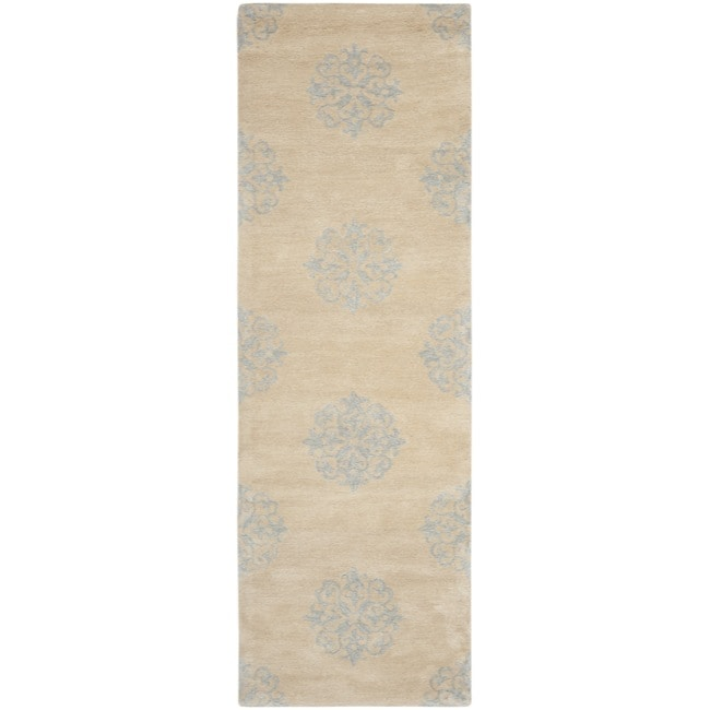 Safavieh Handmade Medallion Beige New Zealand Wool Rug (2'6 x 8') - Thumbnail 0