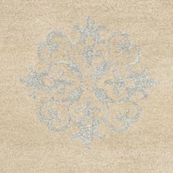 Safavieh Handmade Medallion Beige New Zealand Wool Rug (2'6 x 8') - Thumbnail 2
